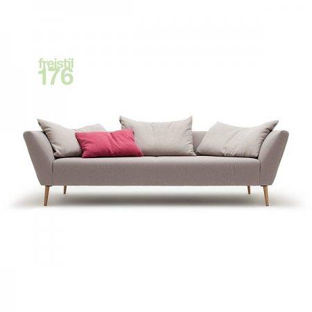 freistil176_Sofa